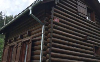 Nátěr fasády chaty