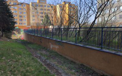 Nátěr fasády bytového domu pro SVJ Hnězdenská Praha 8 Troja