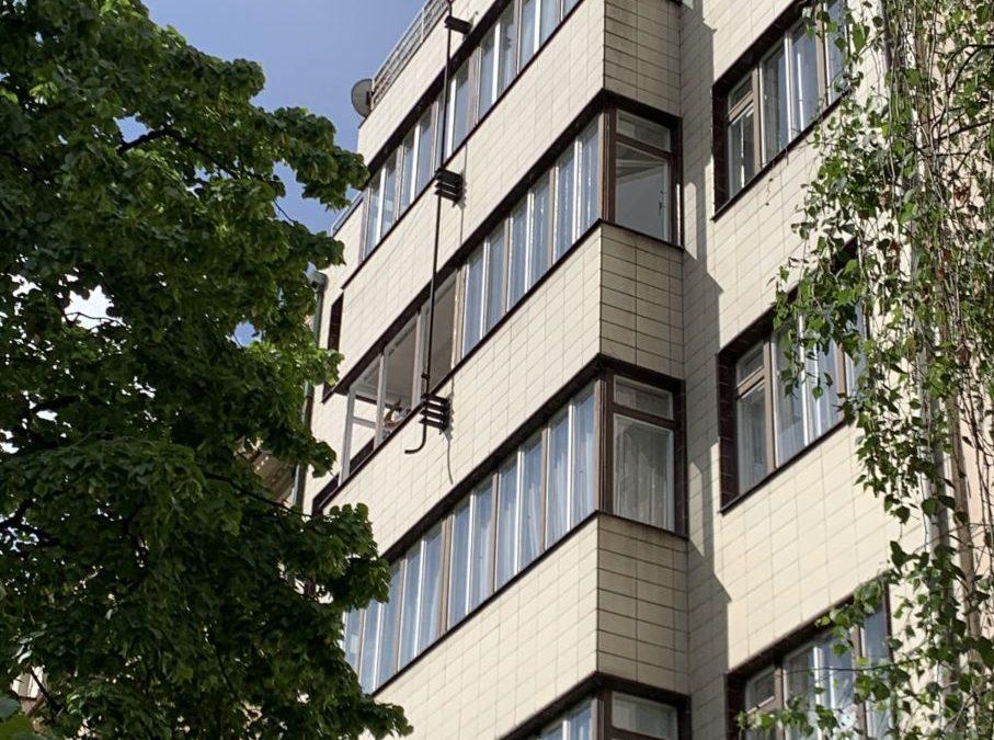 Lakýrnické práce oken Londýnská ulice Praha